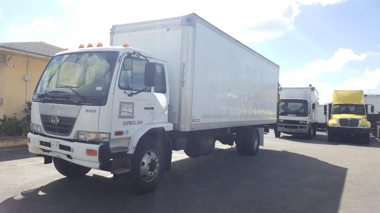 2008 Ud Trucks 3300 Box Truck - Straight Truck