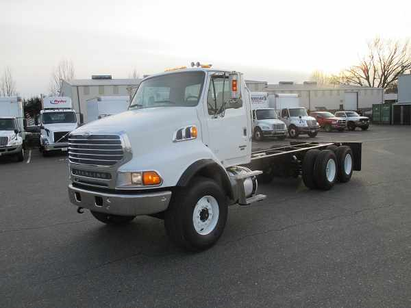 2007 Sterling Lt9500  Box Truck - Straight Truck
