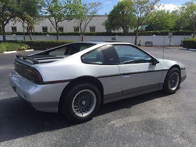 1987 Pontiac Fiero GT Coupe 2 Door V6 One Owner Low Miles