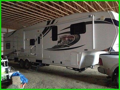 2011 Heartland ElkRidge 35QSQB Used, Fifth Wheel, Sleeps 8, 4 Slide Outs, 39'