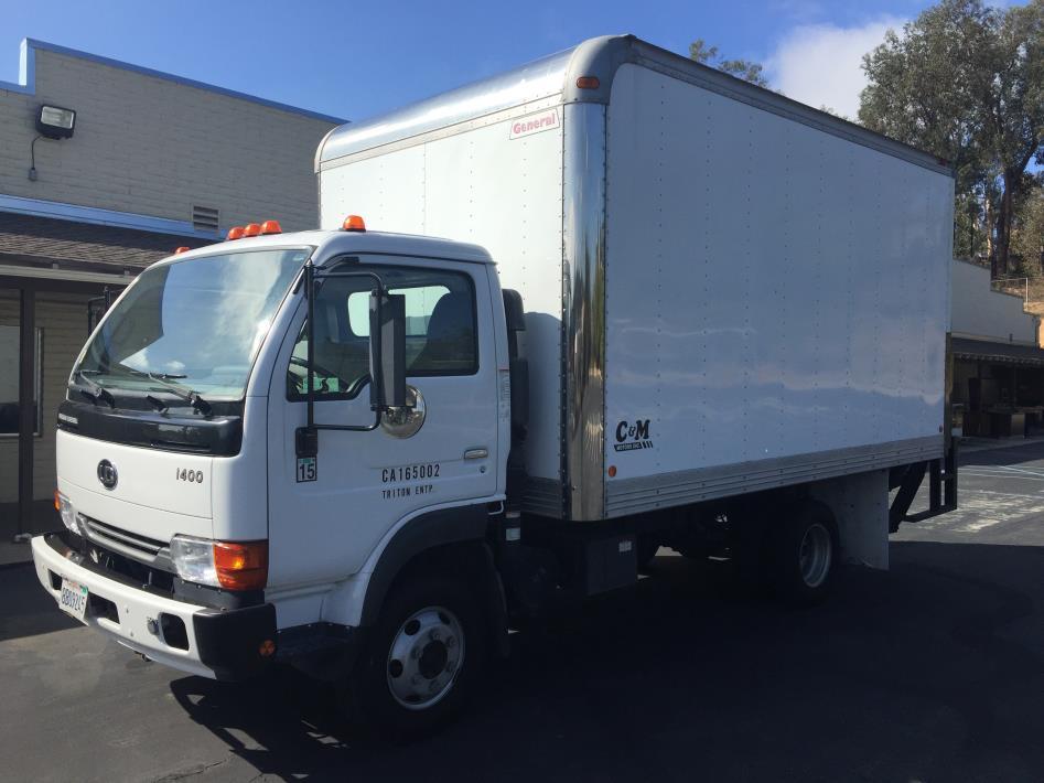 2006 Ud Trucks 1400  Box Truck - Straight Truck