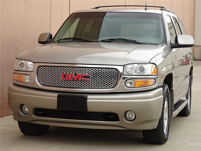 2002 GMC Yukon DENALI 2002 GMC Yukon Denali DENALI AWD-SUNROOF-CRUISE CNTRL-LOW MILES!!