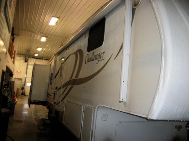 2008 Keystone Challenger 33DBB