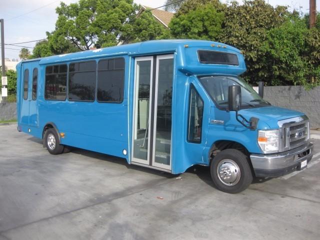 2013 Champion Challenger 270  Bus
