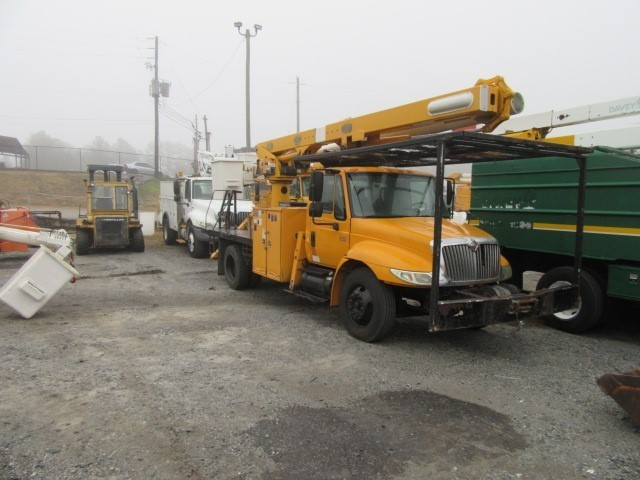 2005 Ihc 4300  Bucket Truck - Boom Truck