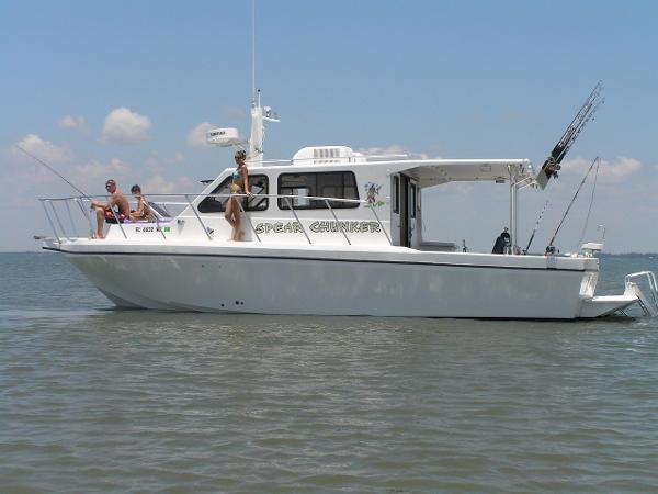 2005 Sea Hawk 360 Dive Boat Low Hours!