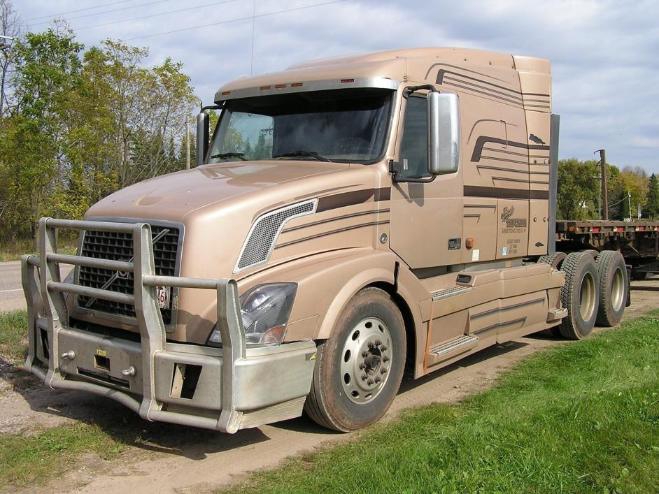 2007 Volvo Vhd64bt430 Conventional - Sleeper Truck