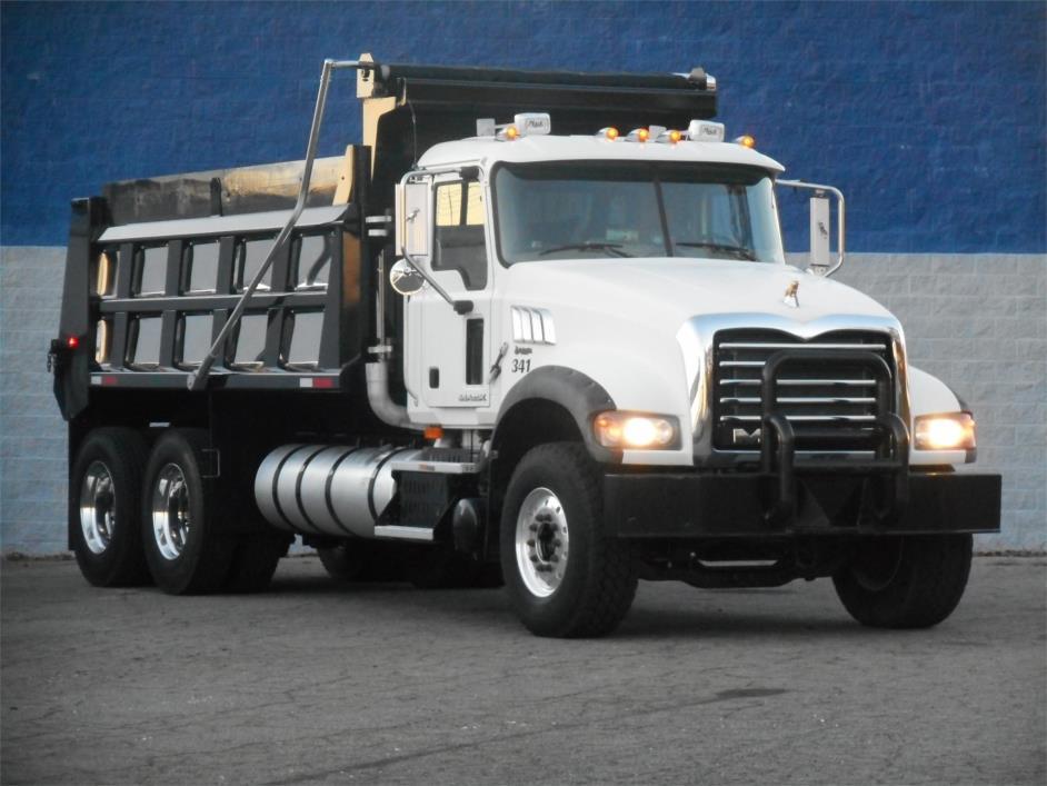 2009 Mack Granite Dump Truck