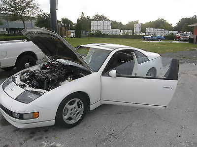 1992 Nissan 300ZX 2+2 T-Top Coupe 1992 Nissan 300ZX Base Coupe 2-Door 3.0L