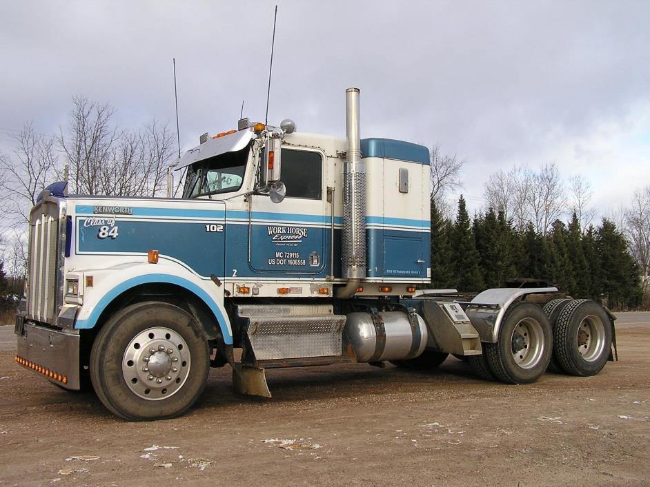 1984 Kenworth W900 Conventional - Sleeper Truck