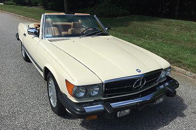 1988 Mercedes-Benz SL-Class 560SL 1988 Mercedes 560SL with 17283 original miles