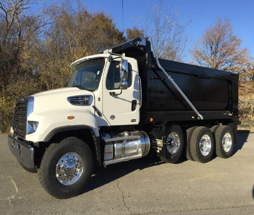 2017 Freightliner 114 Sd Dump Truck