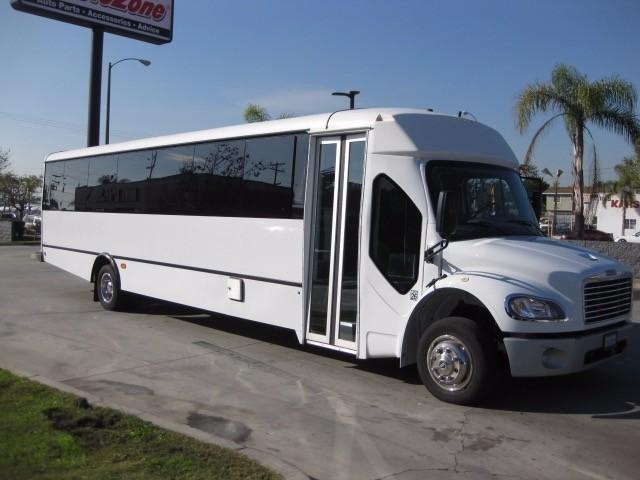 2014 Champion Defender  Bus