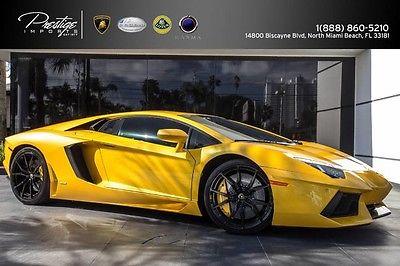 2013 Lamborghini Aventador LP700-4 Coupe 2-Door 2013 Lamborghini Aventador Yellow Pearl
