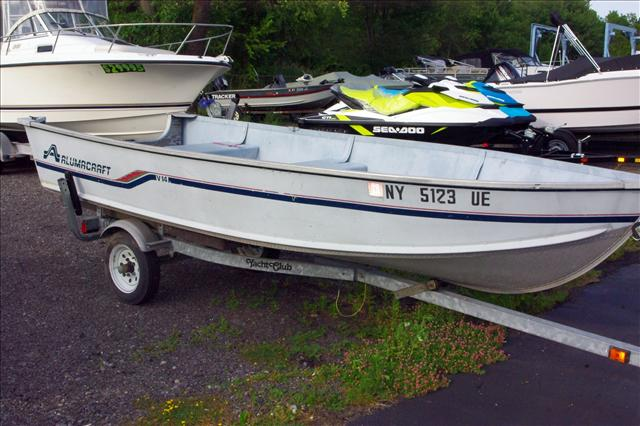 1989 Alumacraft Fishing Boat LV14