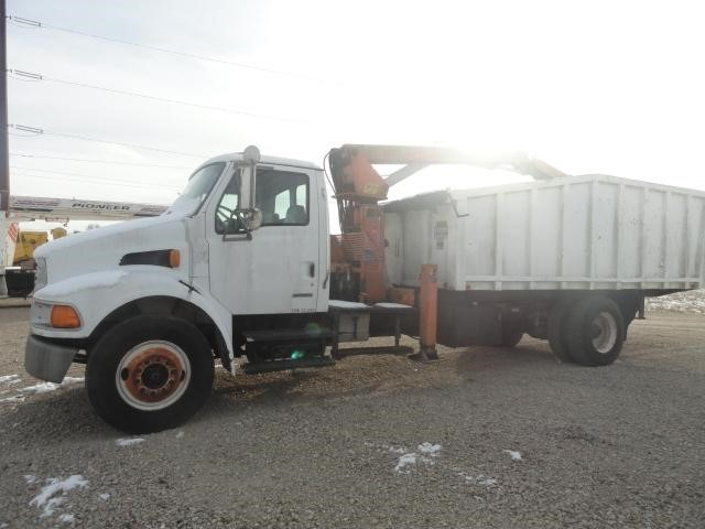 2001 Sterling M7500 Grapple Truck