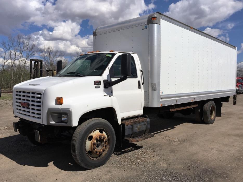 2005 Chevrolet C6500  Box Truck - Straight Truck