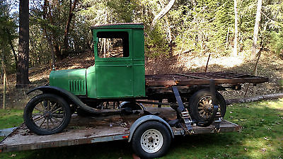 1922 Ford Model T 2 door 1925 or 26 cab  1922 Ford Model T Ton Truck with metal Ford Truck embossed flat bed frame