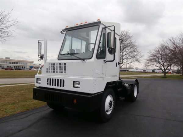 2007 Ottawa C30 Yard Spotter Truck
