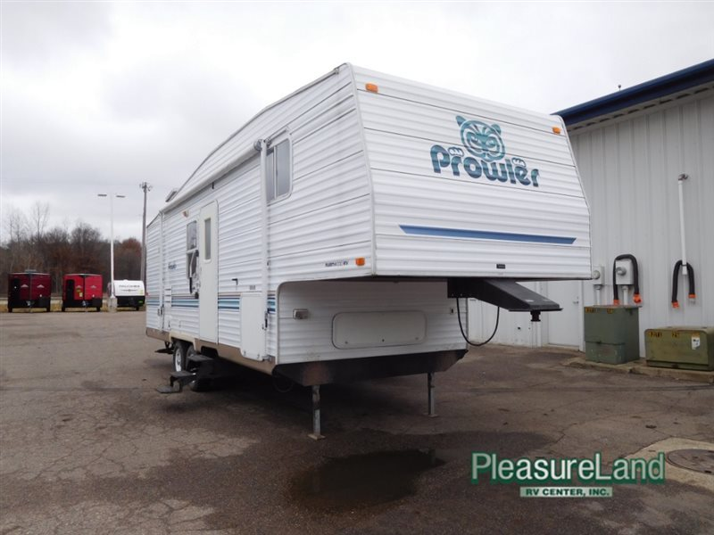 2003 Fleetwood Rv Prowler 28'