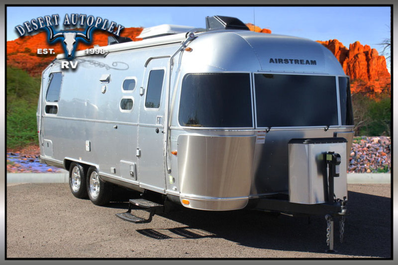 2015 Airstream Flying Cloud 25 Twin