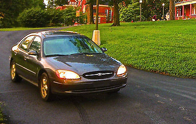 2002 Ford Taurus 4 Door Sedan 2002 Ford Taurus SES - running/driving - need engine rebuild or parts car AS IS