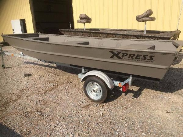 2017 Xpress Boats 1440