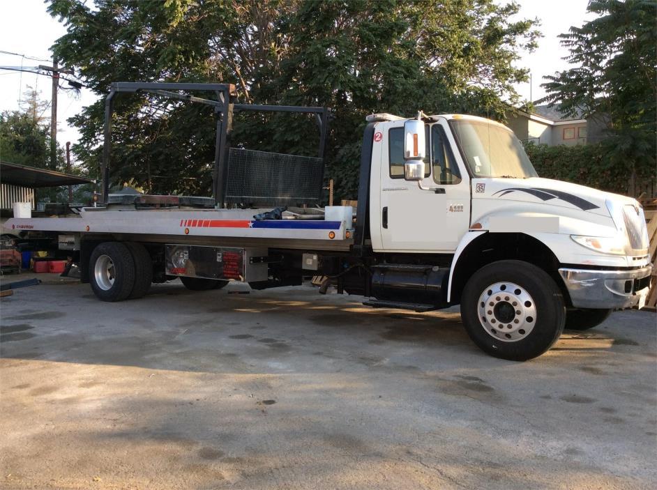 2007 International 4400  Rollback Tow Truck