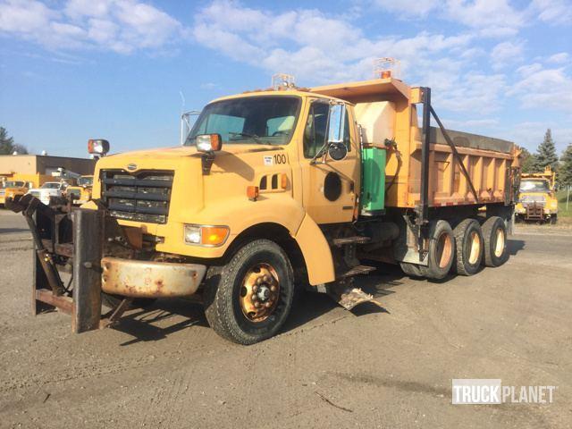 2001 Sterling L9500  Plow Truck - Spreader Truck