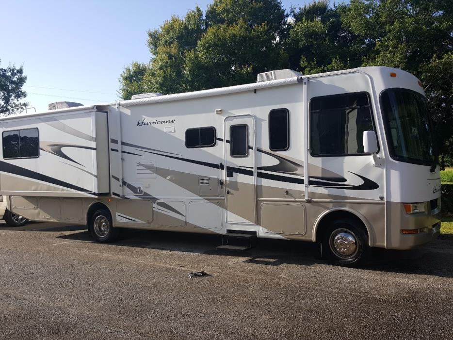 Thor motor coach rvs for sale in fort pierce florida for Thor motor coach hurricane