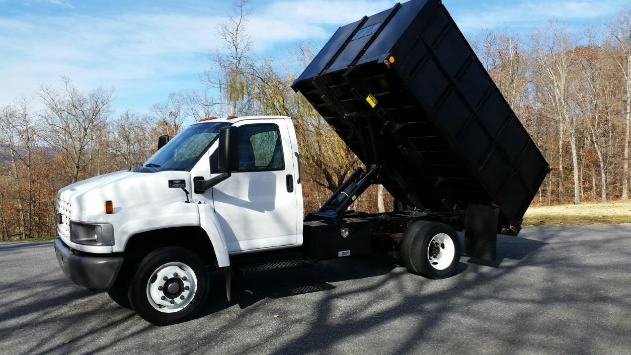 2004 Chevrolet C4500  Dump Truck