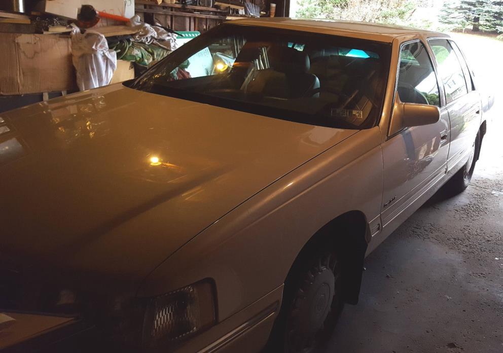 1999 Cadillac DeVille 1999 CADILLAC SEDAN DEVILLE - 68,500 MILES - NICE CONDITION
