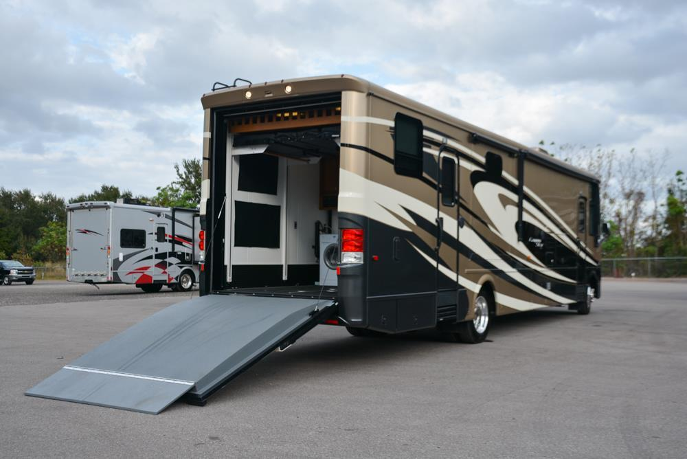 2015 Newmar Canyon Star 3920
