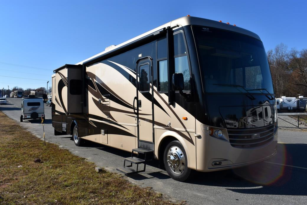 2011 Newmar CANYON STAR 3920
