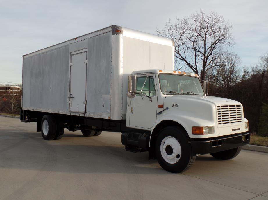 1998 Navistar 4700 Box Truck - Straight Truck