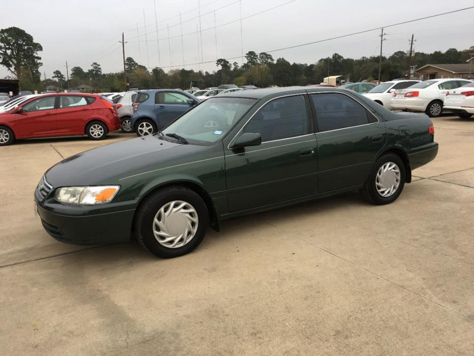 2001 Toyota Camry  Trade in well kept. Clean. Clean Title