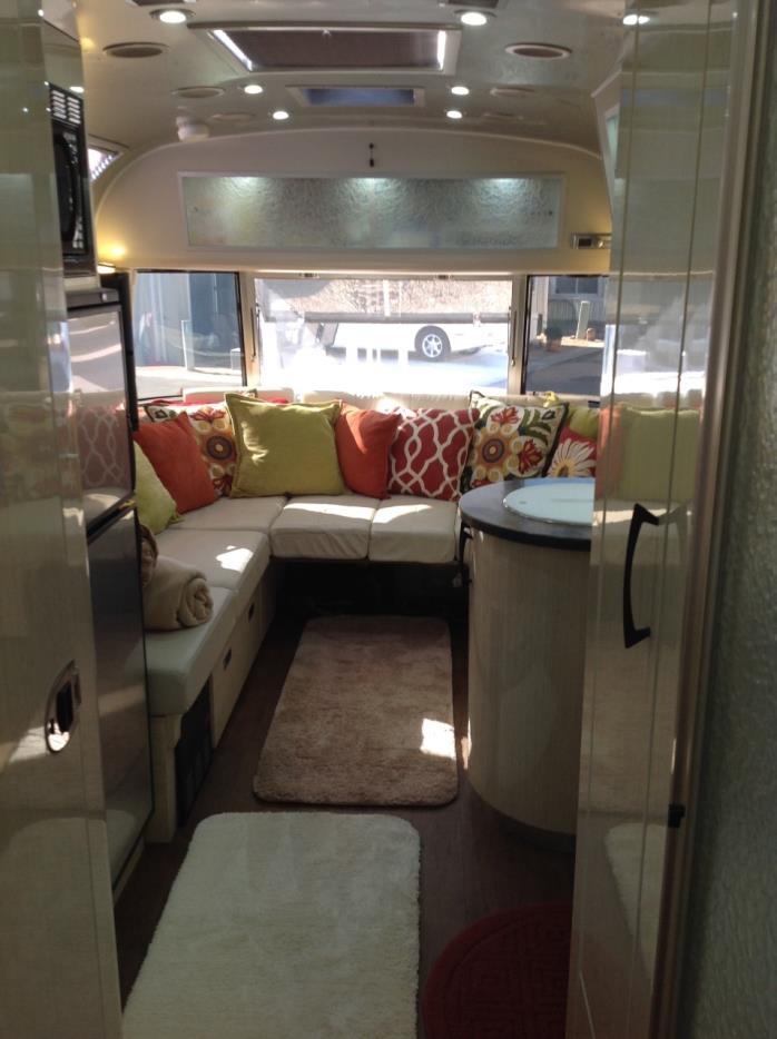 2015 Airstream INTERNATIONAL INTL SERENITY 25