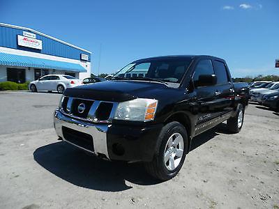 2006 Nissan Titan SE Crew Cab Pickup 4-Door 2006 Nissan Titan SE Crew Cab Pickup 4-Door 5.6L