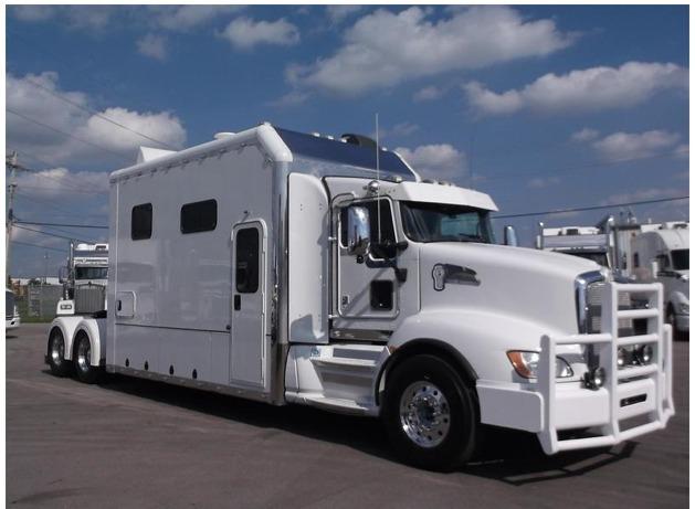 2014 Kenworth T660 Conventional - Sleeper Truck