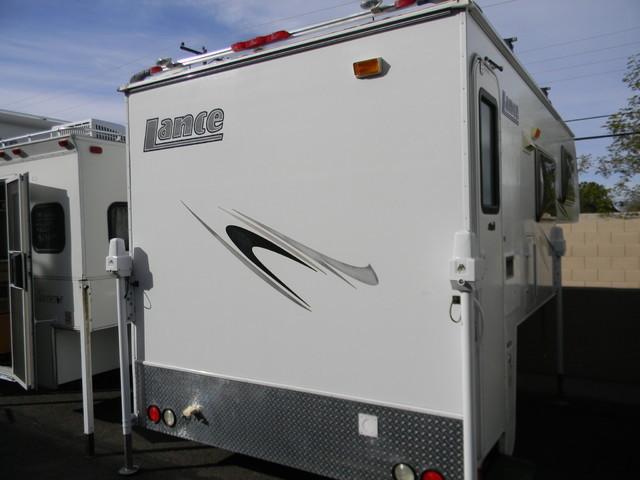 2009 Lance 830
