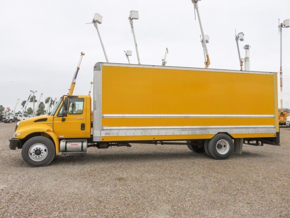 2011 International 4300 Dry Van