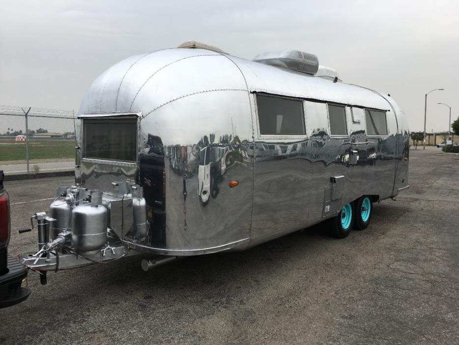 airstream land yacht rvs for sale. Black Bedroom Furniture Sets. Home Design Ideas
