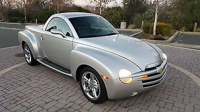 2006 Chevrolet SSR Convertible Pickup 2-Door 2006 CHEVROLET SSR, 6-SPEED, ONE-OWNER, DON'T MISS!