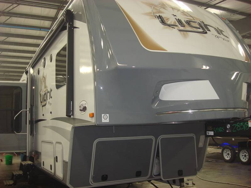 2017 Open Range Rv Light Fifth Wheel LF319RLS