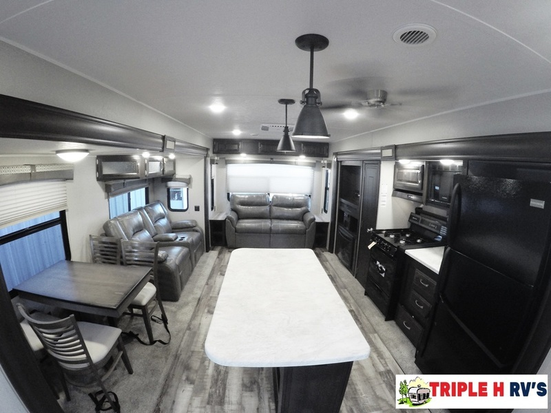 2017 Palomino Puma Destination Trailers 38RLQ