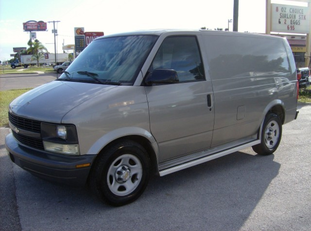 2003 Chevrolet Astro Cargo  Cargo Van