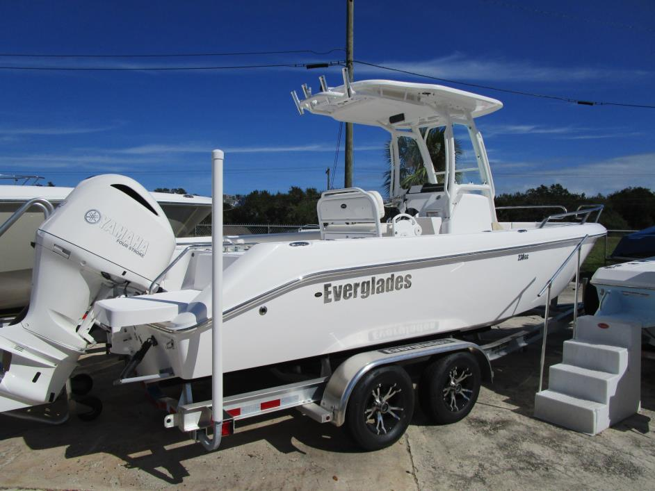2017 EVERGLADES BOATS 230cc