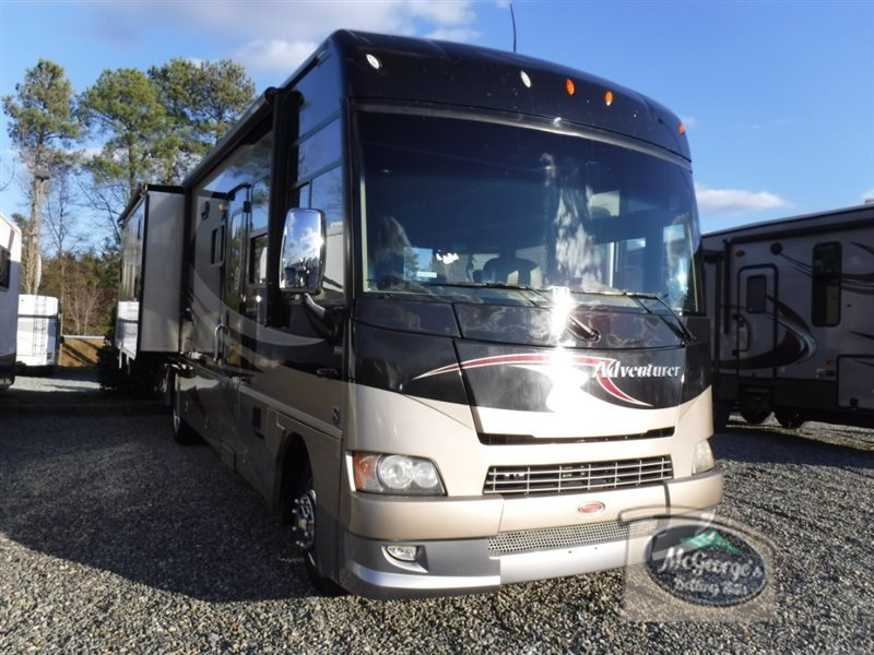 2010 Winnebago Adventurer 35Z