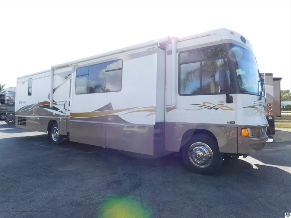 2005 Winnebago Voyage 38J