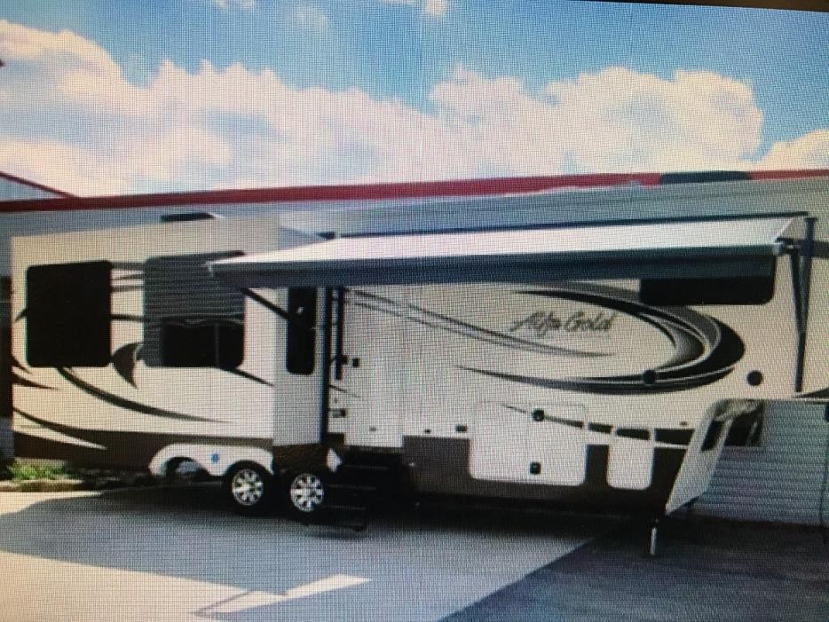 2008 Alfa GOLD 36FT. TRIPLE SLIDE-OUT 5TH WHEEL